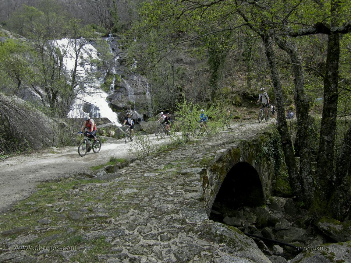 Cascada del calder n valle del jerte for Oficina de turismo valle del jerte