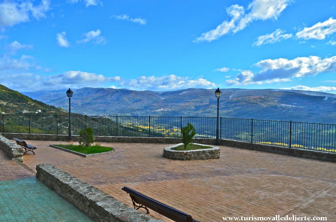Mirador del parque nuevo valle del jerte for Oficina de turismo valle del jerte