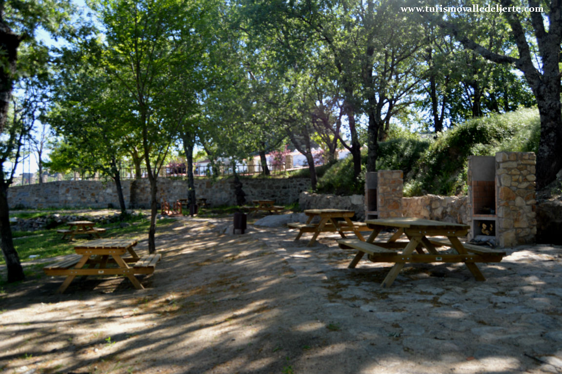 Mirador el balc n del valle valle del jerte for Oficina de turismo valle del jerte