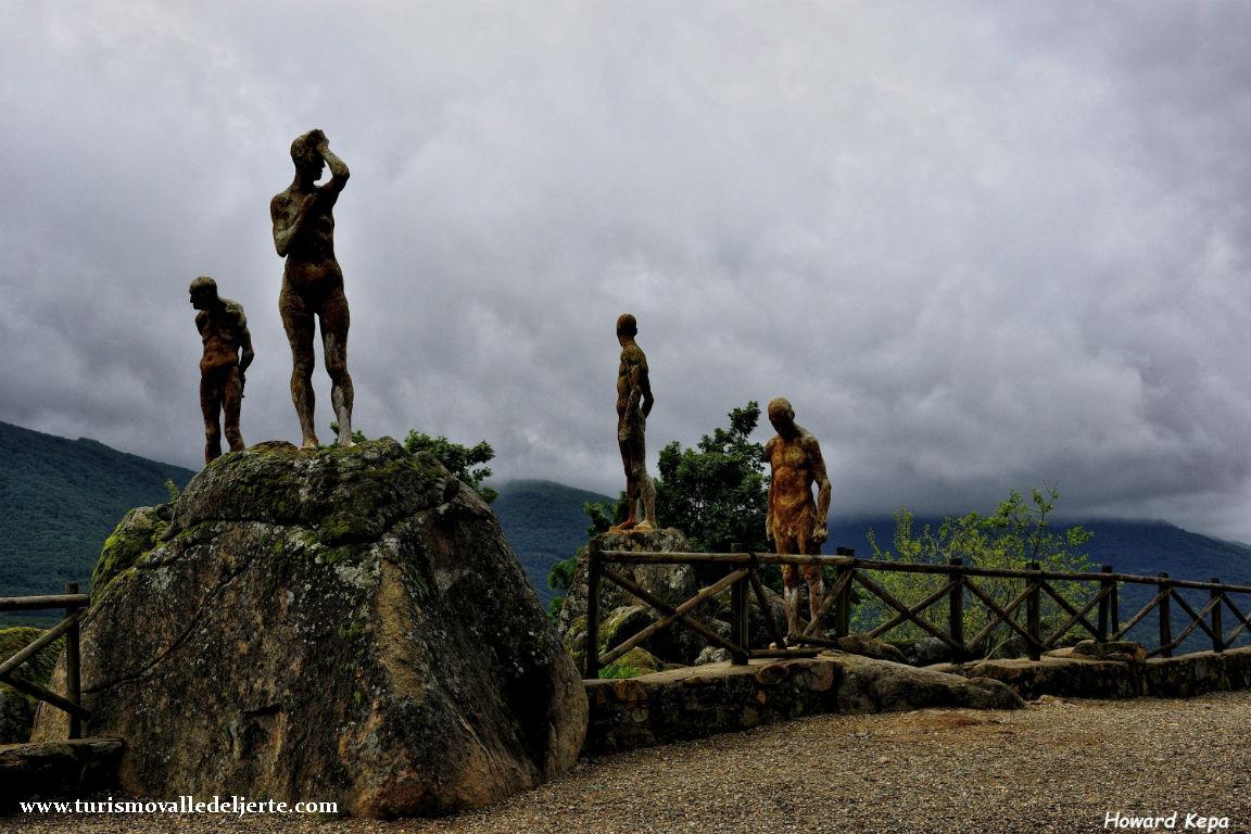 Mirador de la memoria valle del jerte for Oficina de turismo valle del jerte