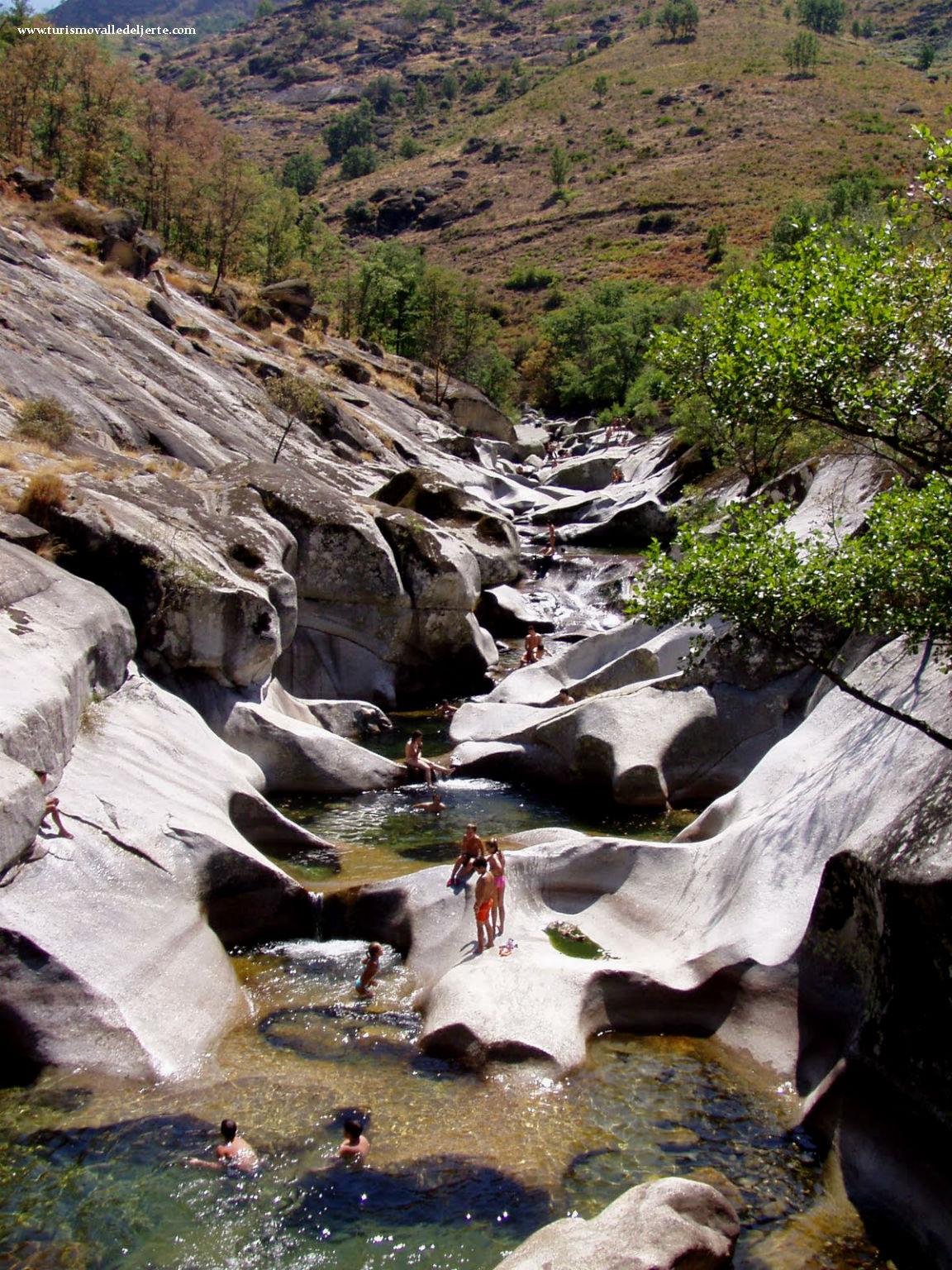 Piscinas naturales los pilones valle del jerte for Oficina de turismo valle del jerte