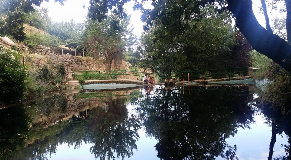 Piscina natural los pozos for Oficina de turismo valle del jerte