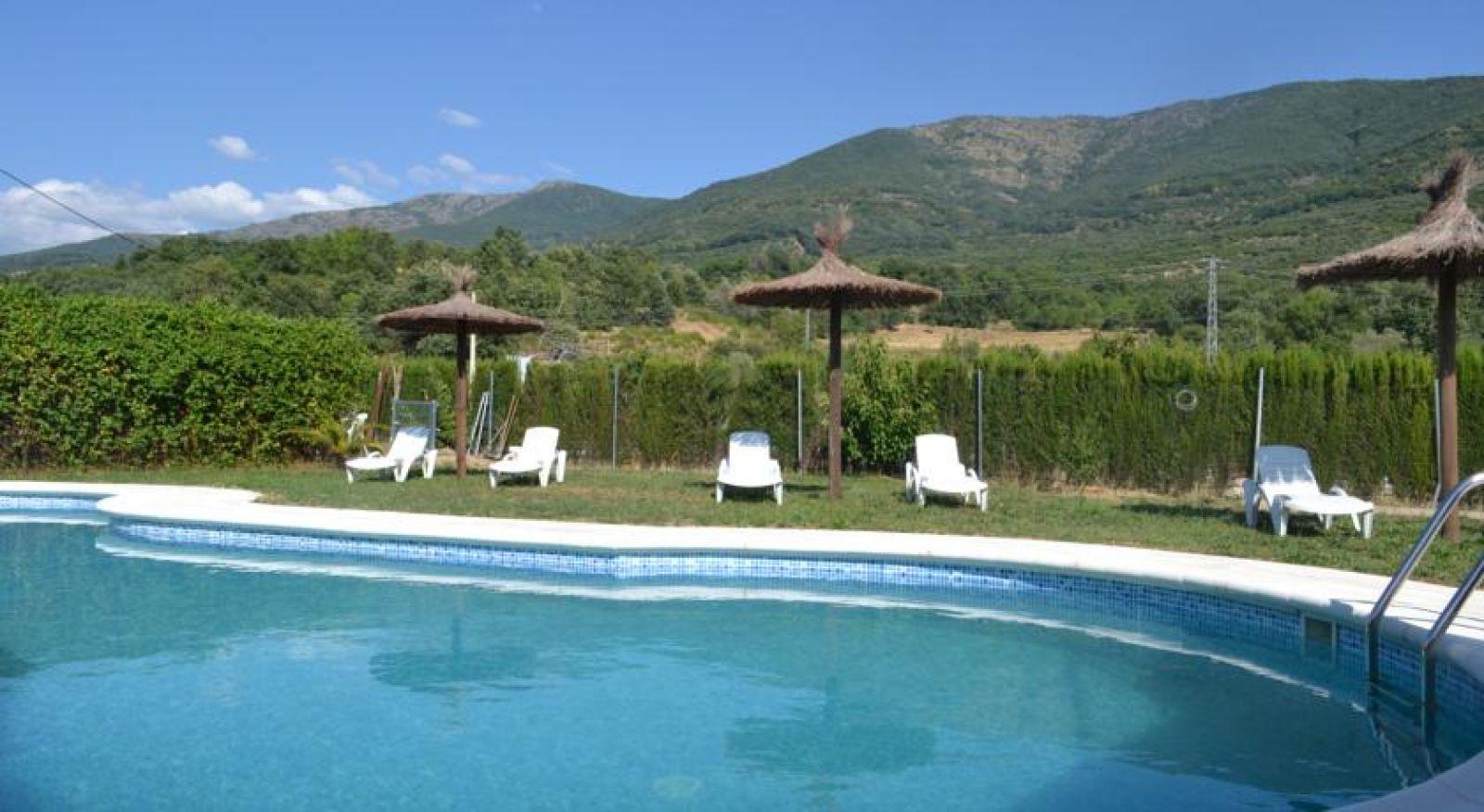 Casas aptos rurales senderos de jerte alojamientos en el - Casas rurales en el jerte con piscina ...